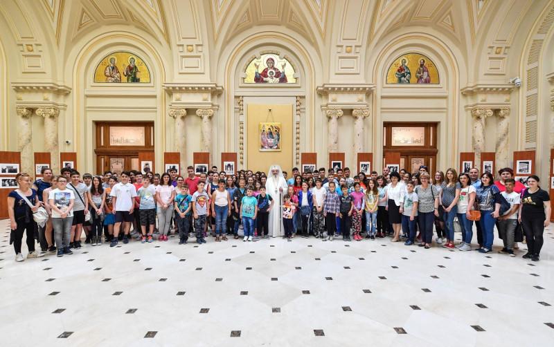 Ziua copilului - La Palatul Patriarhiei primiți de PF Părinte Daniel, Patriarhul Bisericii Ortodoxe Române
