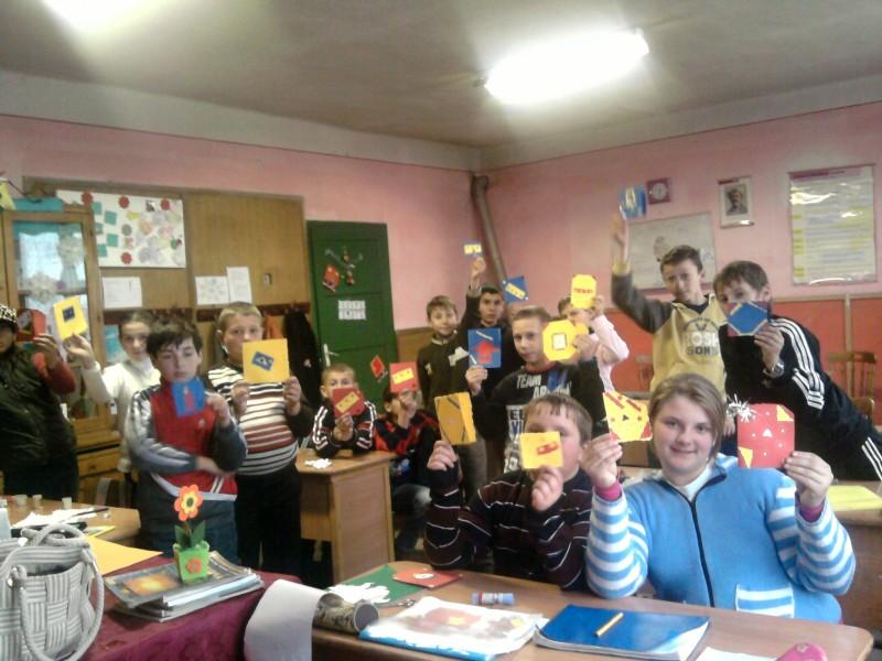 Felicitari confectionate de catre elevii de la Slatina- Timis