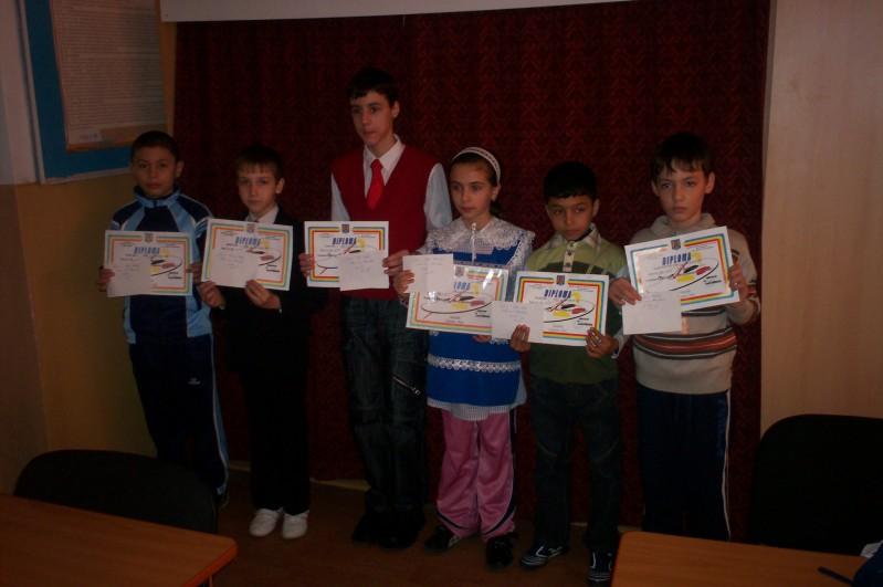 elevii premiati la concursul prietenii pompierilor