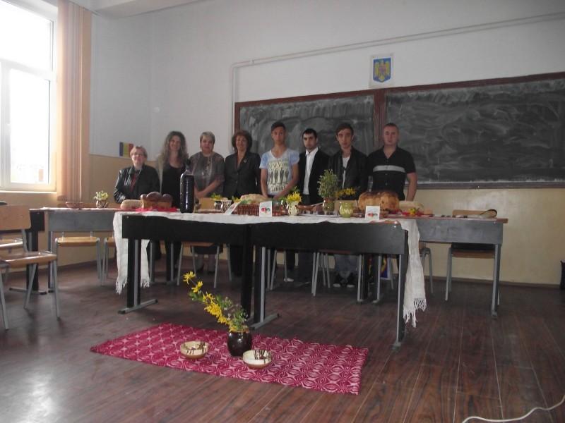 Descoperirea şi valorificarea folclorului, tradițiilor şi obiceiurilor româneşti