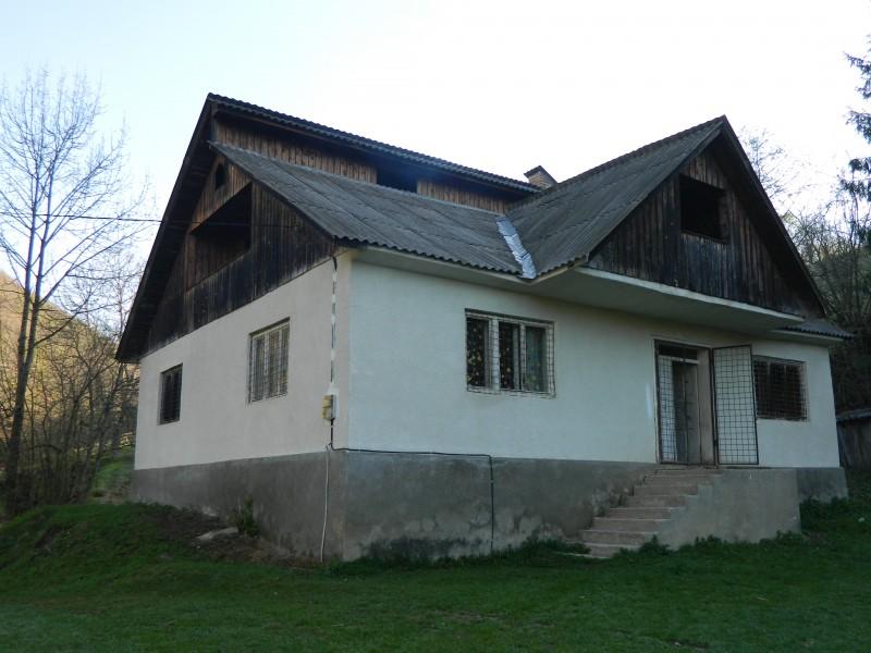 """Este o altă şcoală componentă a Şcolii Gimnaziale """"Iacob şi Ioachim Mureşanu"""" Rebrişoara"""