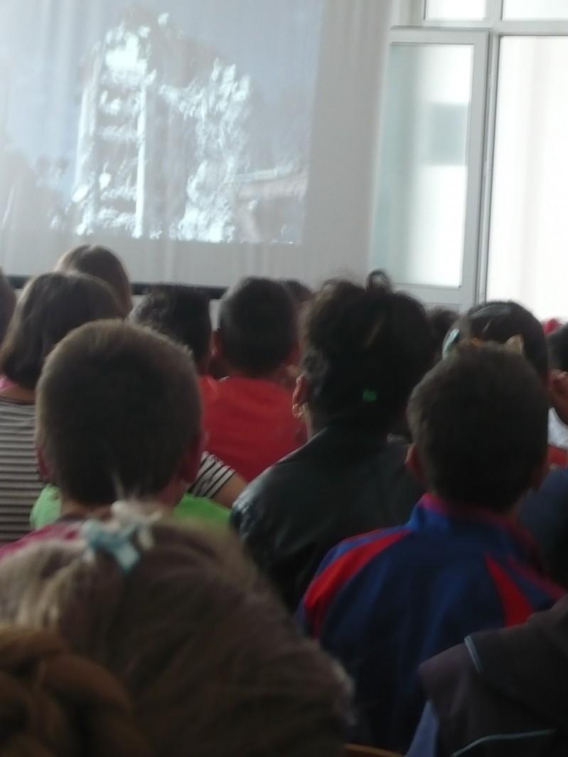 Activitate desfășurată in parteneriat cu OMV PETROM Parcul I Corbii Mari, reprezentanți ASSET V MOESIA NORD, Inspectoratul pentru Situații de Urgenta al județului Dâmbovița, Echipa pirotehnică Detașament Târgoviște
