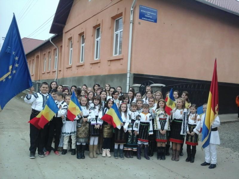 La multi ani,Romania!