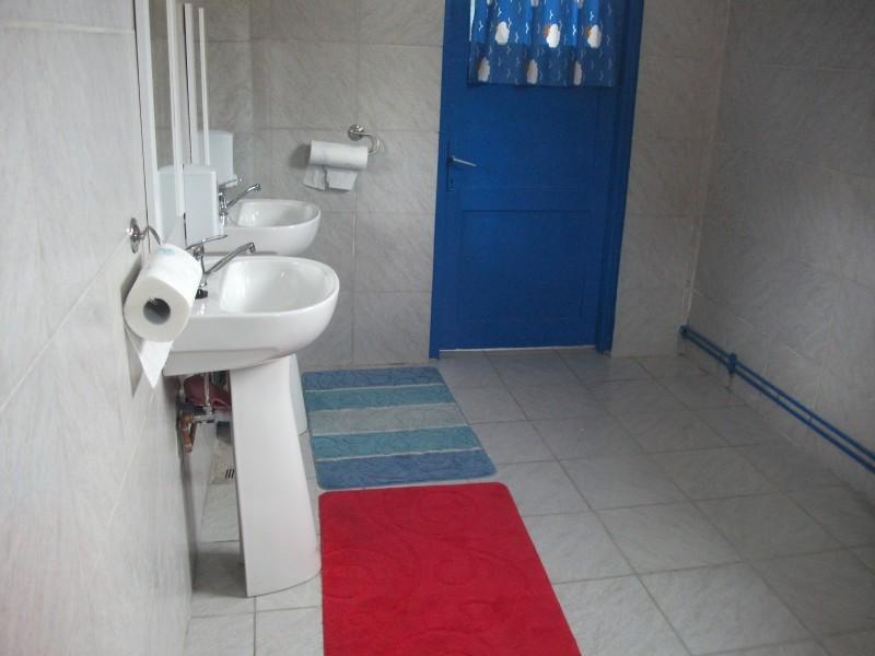 Grupul sanitar a fost renovat in anul 2012, cu sprijinul parintilor elevilor clasei pregatitoare.