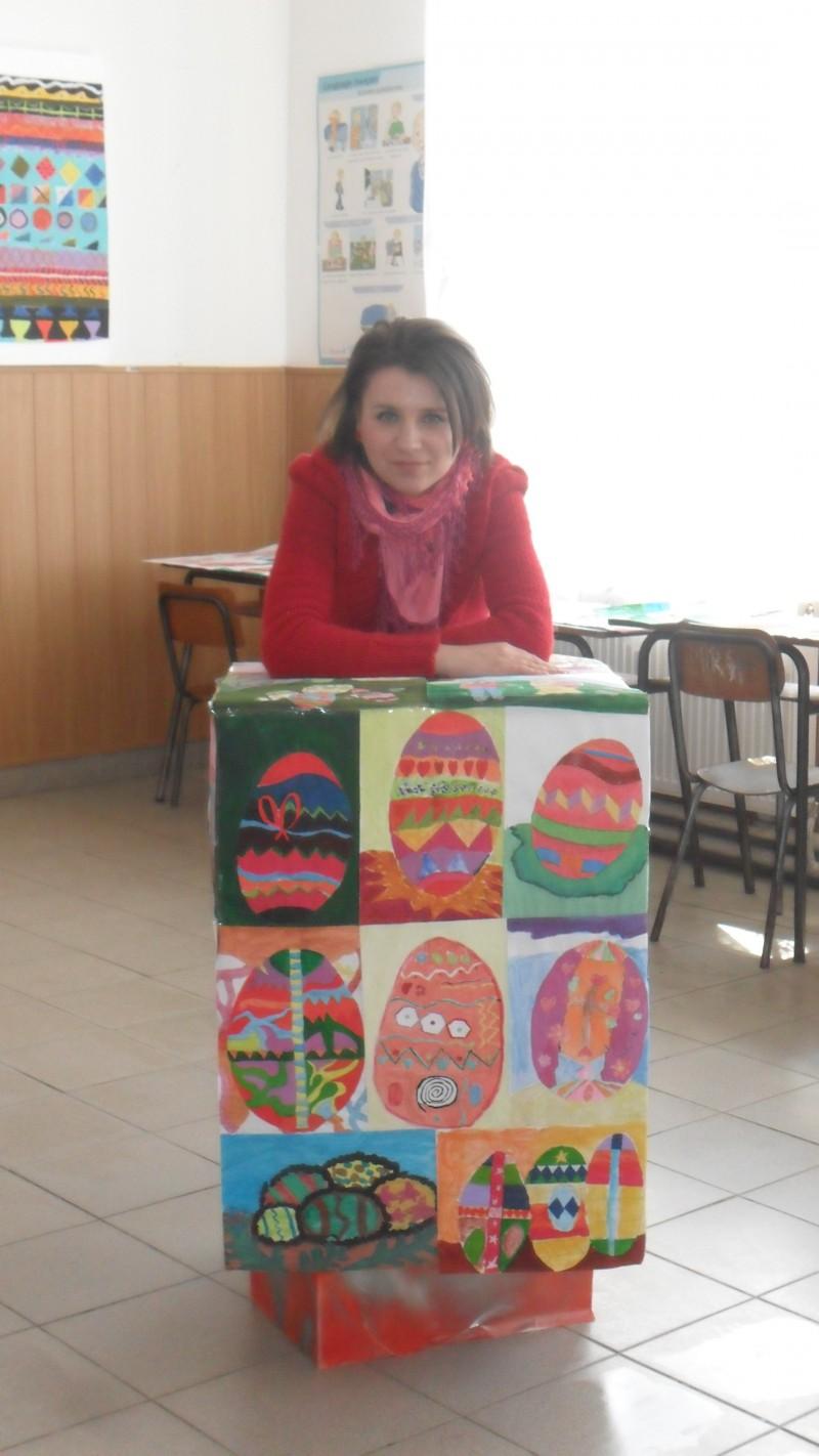 Lucrari artistico-plastice realizate sub coordonarea domnisoarei profesoare Luisa Calu .