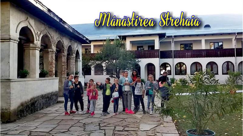 În vizită la Mânăstirea Strehaia