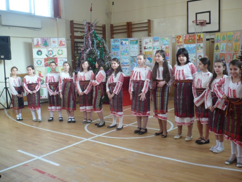 Spectacol realizat de elevii Scolii ''Nicolae Iorga'' Bacau