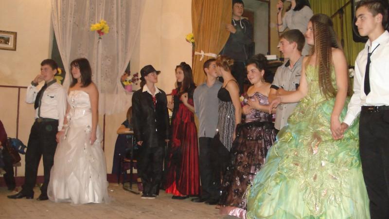 In data de 18 noiembrie 2010 elevii clasei a VIII-a B au organizat si participat la activitate. In programul serbarii au fost dansuri medievale, concurs de cunoastere cunoastere a culturii, istoriei si a limbii franceze. Profesor de franceza: Isache-Popa Carmen-Petronela