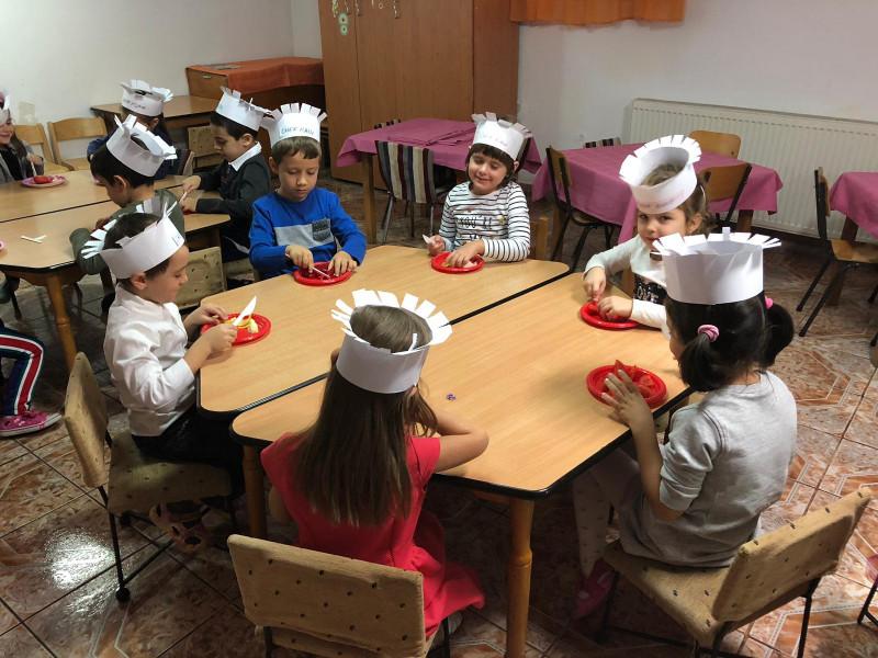 Copiii grădiniței PP 33 structura 19 sunt bucătari iscusiți.