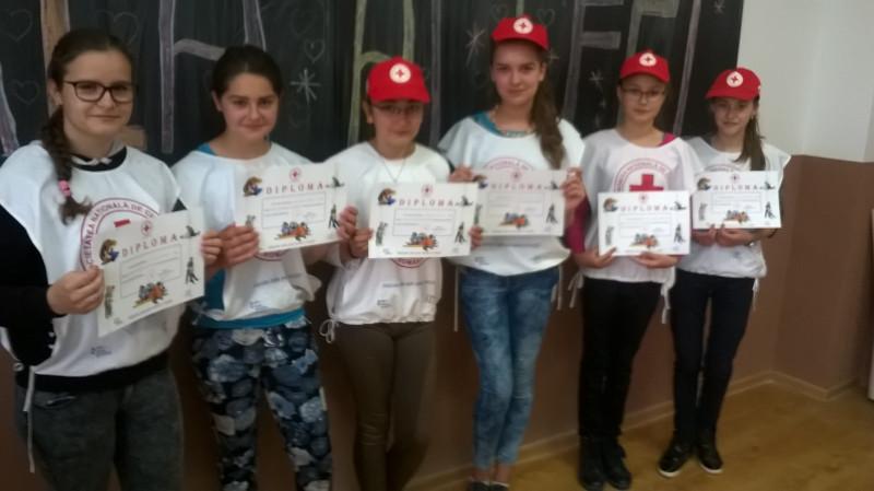 Premierea  elevilor ]n cadrul concursului Sanitarii priceputi