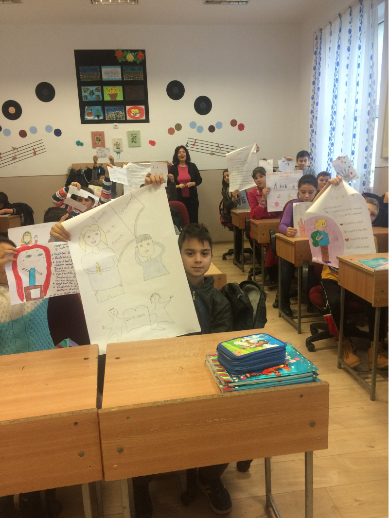 Participarea elevilor Scolii gimnaziale nr. 1 comuna Cuza Voda judetul Calarasi la activitati de promovare a drepturilor si indatoririlor copiilor de pretutindeni.