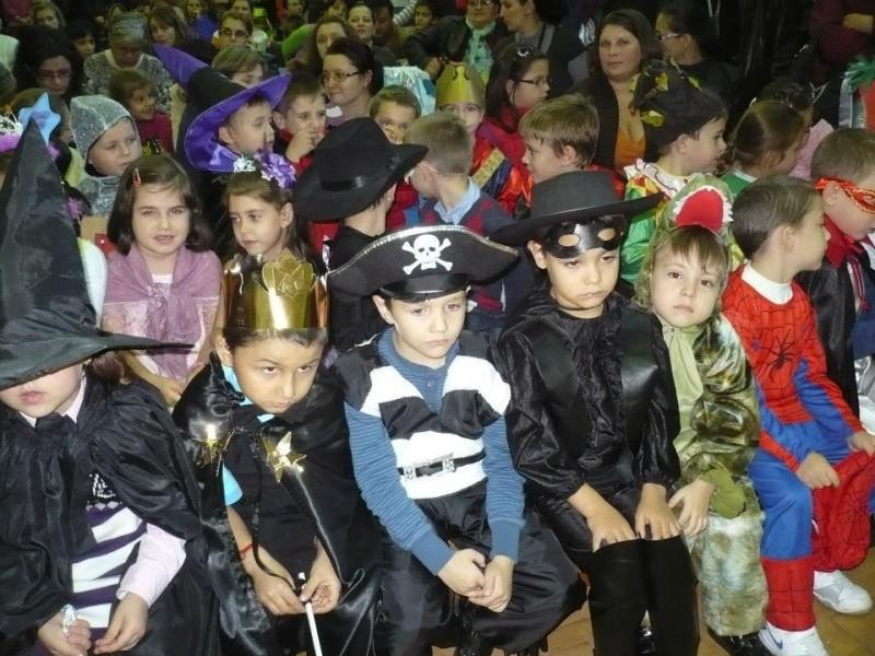 Carnavalul Toamnei -aflat la cea de-a VI-a editie