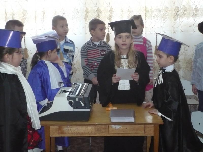 Secvente de la serbarea dedicata mamicilor-8 Martie 2011