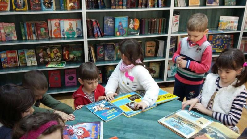 """,,Activitate în cadrul parteneriatului încheiat cu Biblioteca Județeană Argeș"""""""