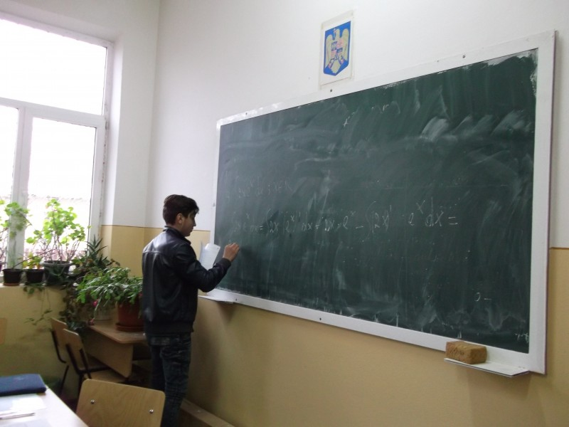 """Scoala noastra a devenit Centru S.E.I. pentru judetul Prahova in cadrul Proiectului: """"Servicii integrate educaționale pentru comunitățile de romi!""""."""