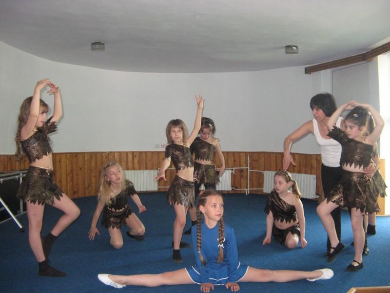 Putem să vedem ușor pasiunea dansului din ochii lor.