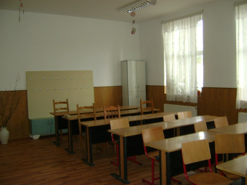 Poze privind reabilitarea scolii