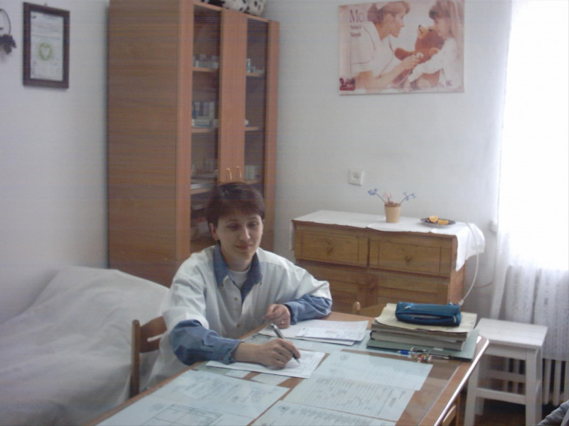 Cabinetul medical din cadrul Liceului Tehnologic Special pentru Copii cu Deficienţe Auditive Buzău.