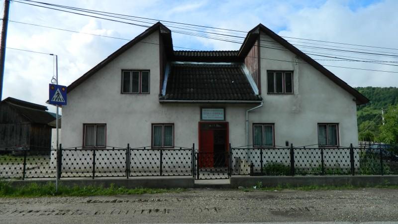 """Este o imagine cu o altă şcoală ce compune Şcoala Gimnazială """"Iacob şi Ioachim Mureşanu"""" Rebrişoara"""