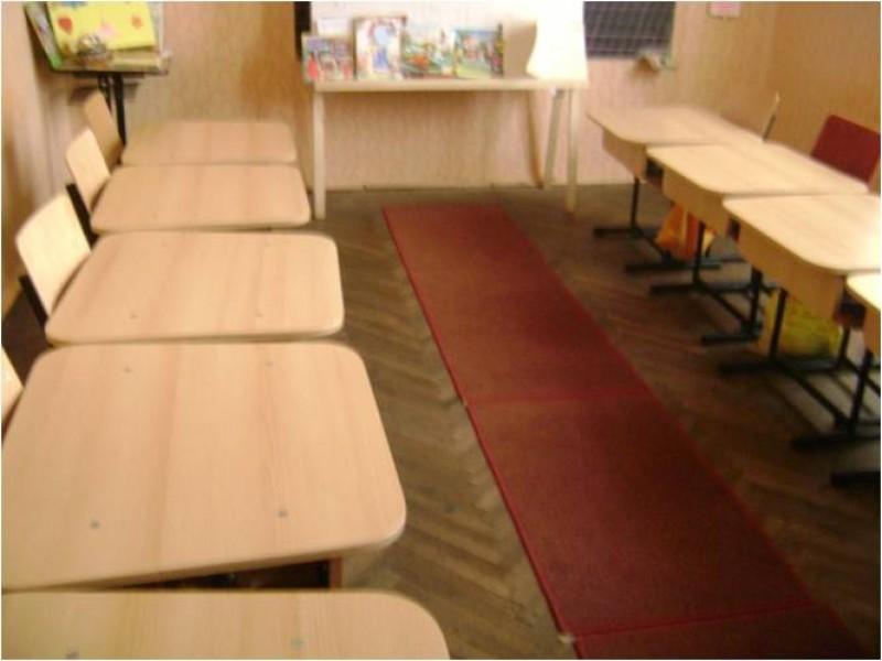 Clasa pregătitoare îşi desfăşoară activitatea în incinta şcolii şi dispune de 2 săli, o sală de curs şi o sală unde este amenajată ludoteca , unde elevii învaţă jucându-se.