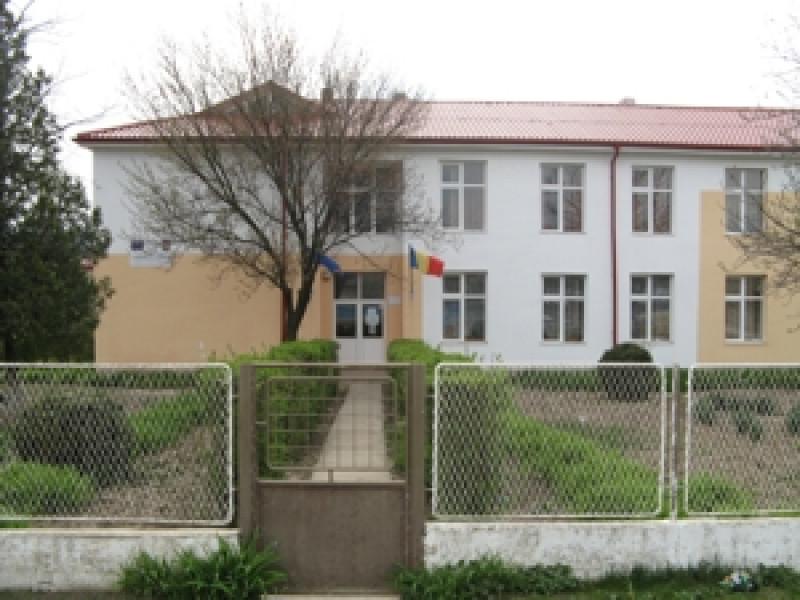 Școala nouă din Grivița