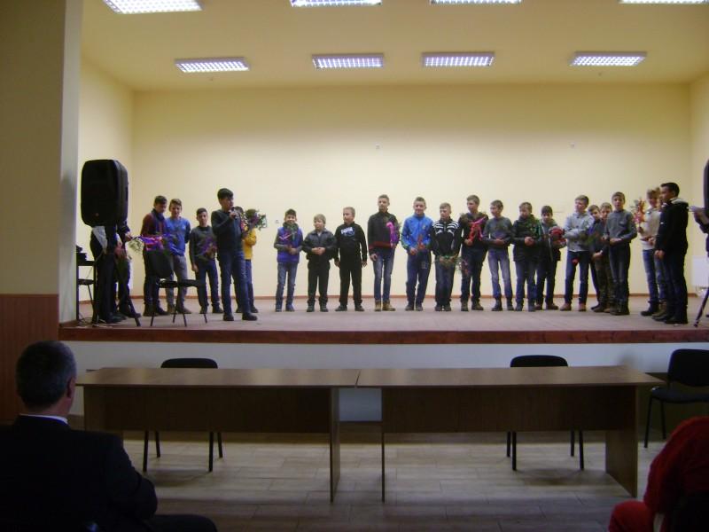 Serbare de Crăciun desfășurată de către elevii Școlii Gimnaziale Mociu la Căminul cultural din Mociu în luna decembrie 2014.