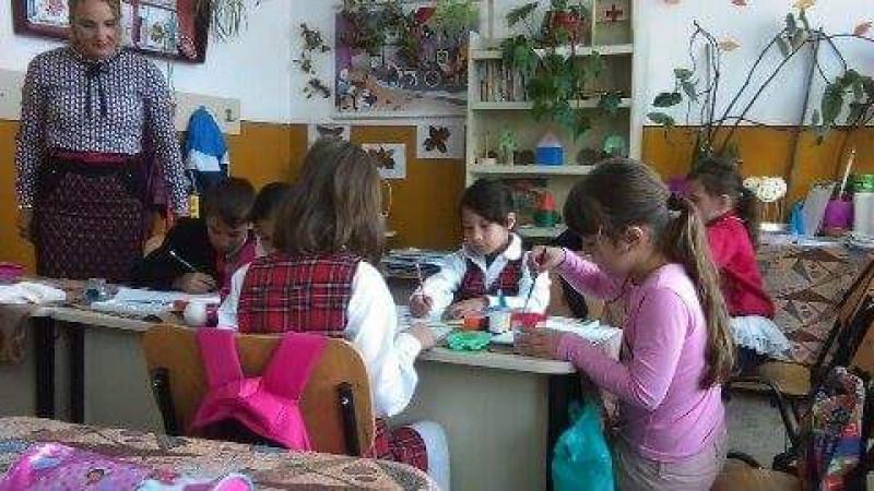 Activitatea elevilor de la Şcoala Hîrtieşti