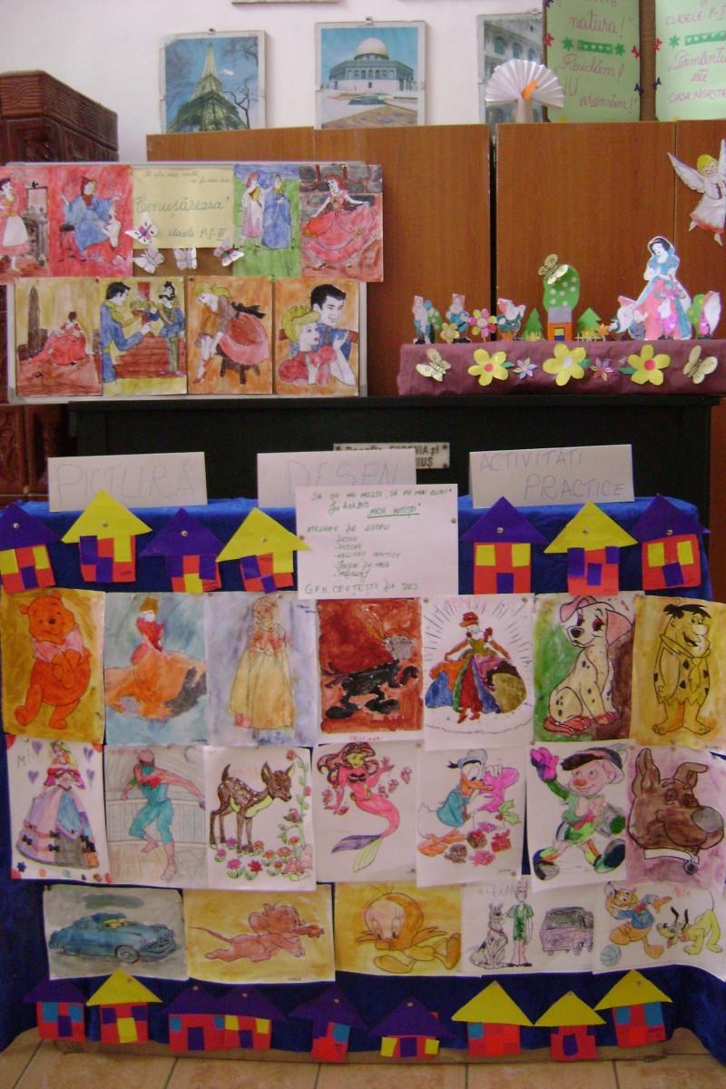 Expoziţie cu lucrari ale copiilor