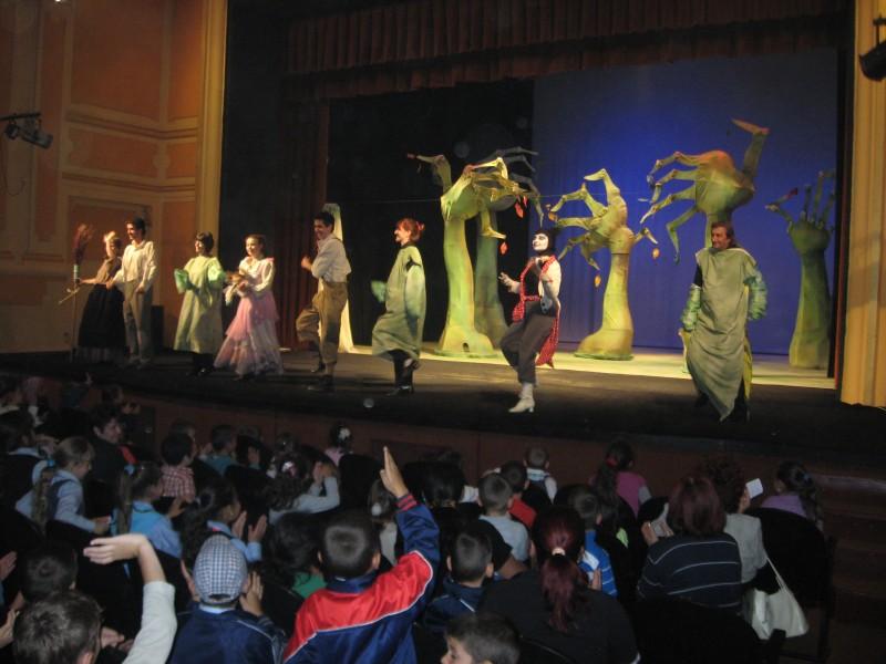 Am vizionat la Teatrul municipal Turda spectacolul Hansel si Gretel