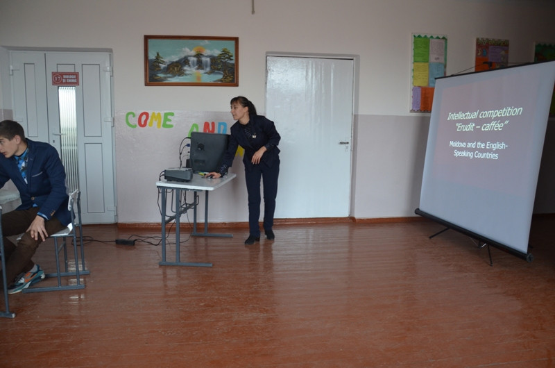 Concursul experţilor la limba engleză. Organizator, prof. Lisnic Alina