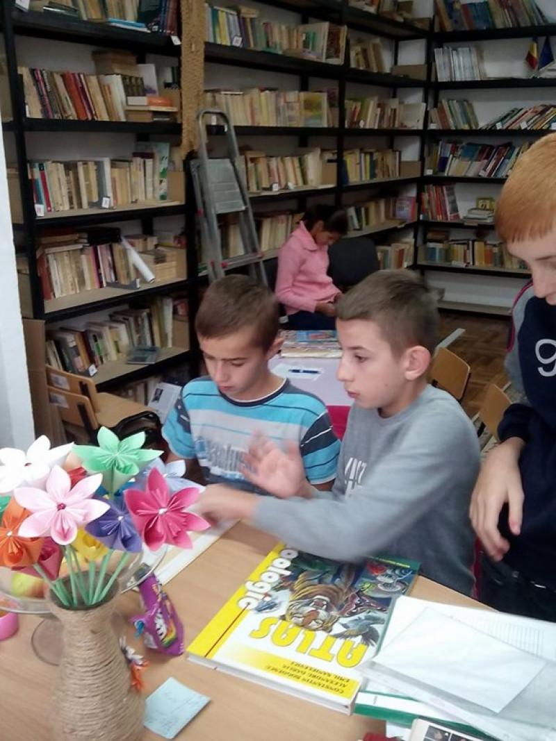 Biblioteca Liceului Tehnologic Special pentru Copii cu Deficienţe Auditive Buzău