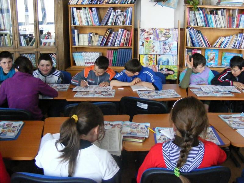 CDI Plopenii-Mari, un spatiu unde elevii pot gasi orice informatie doresc, unde se desfasoara foarte multe activitati atat cu elevii, cat si cu parintii.