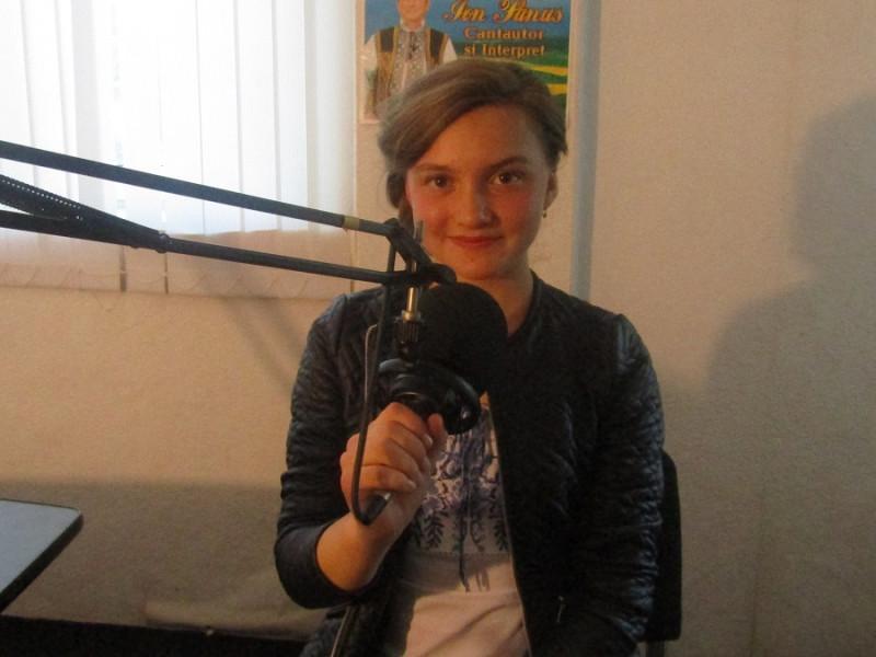 "La radio Pro Mingir, emisiunea ""Medalion literar"""