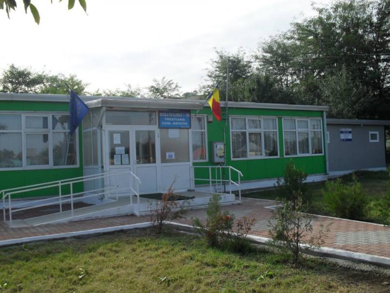 Școala nouă din satul Trestiana