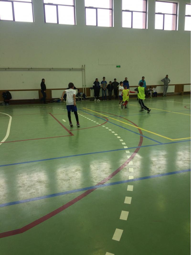 """Elevii din invatamantul primar au participat la Campionatul intercomunal de fotbal. Intreaga competitie a fost dominata de spiritul """"fair-play-ului"""""""