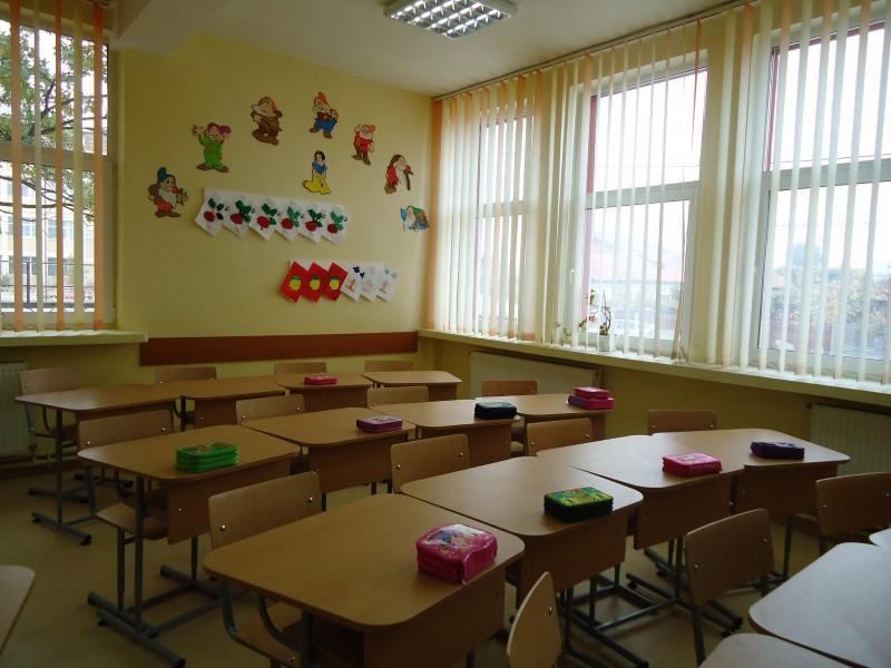 Sali de clasa unde se vor desfasura cursurile claselor pregatitoare.